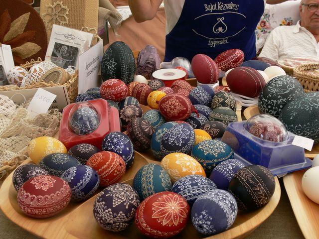 BKE 11 karcolt tojások